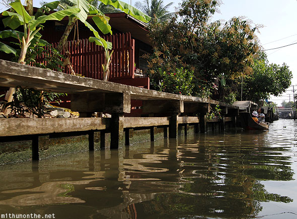 Damnoen Saduak floating village home Ratchaburi Thailand