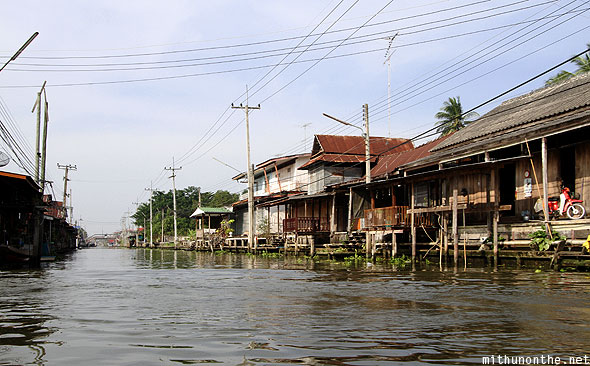 Damnoen Saduak floating village houses Ratchaburi Thailand