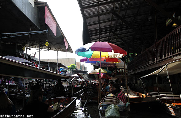 Damnoensanduak floating market boats jam Thailand