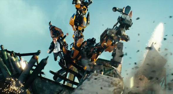 Shia LaBeouf bumblebee 3d action car chase scene