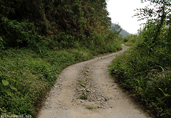 Batad rough road to viewpoint Banaue
