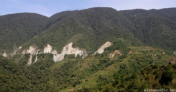 Hill landslides on the way to Bontoc