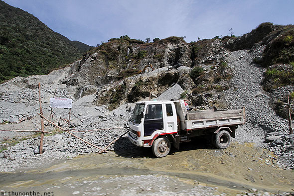 Landslide clearing truck Banaue highway to Bontoc