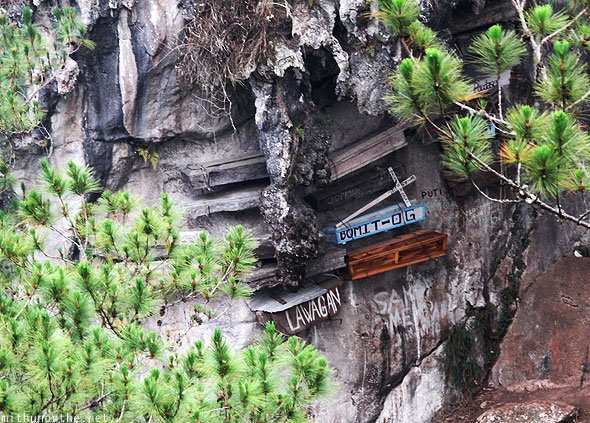 Sagada hanging coffins Echo valley zoomed in
