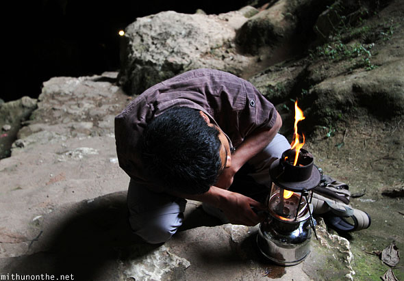 Sumaguing cave guide lighting gas lamp