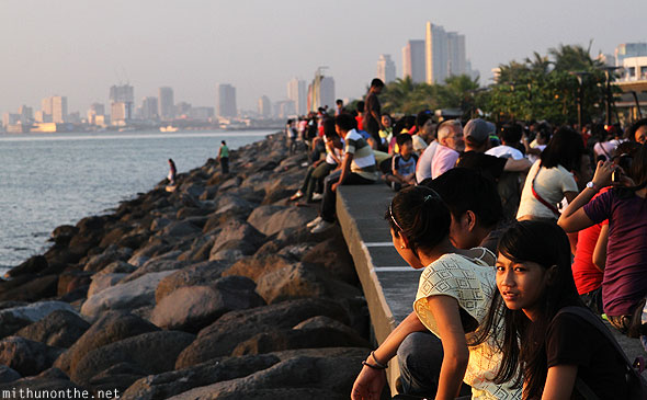 Baywalk Manila crowds Saturday Philippines