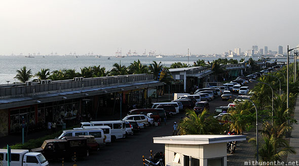 Manila baywalk restaurants parking Philippines