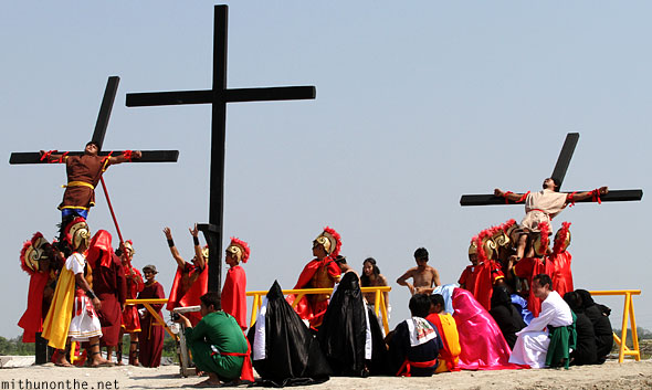 San Pedro Cutud passion play bringing down crosses Pampanga