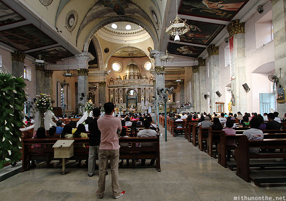 Binodo church Sunday prayers Manila
