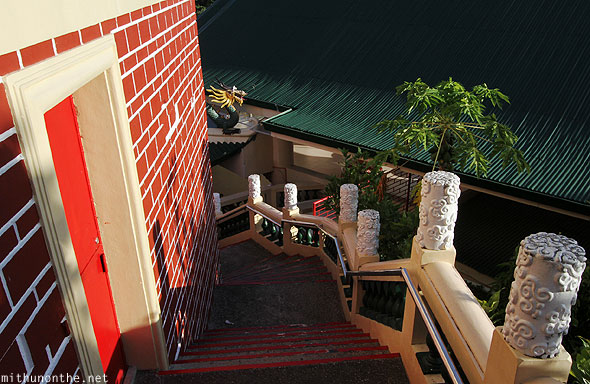Philippine Taoist temple steps down Cebu