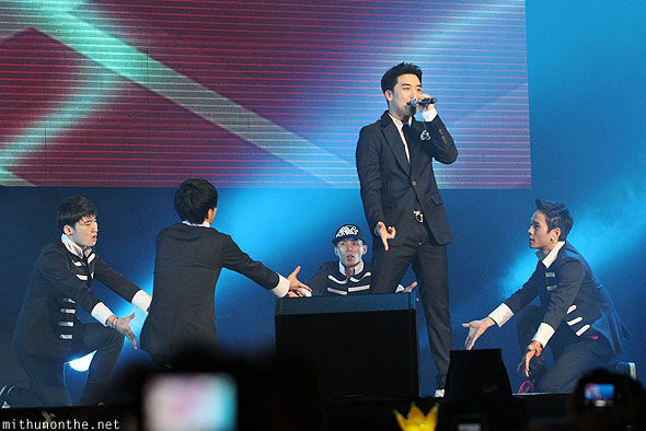 Seungri Singapore F1 Friday concert