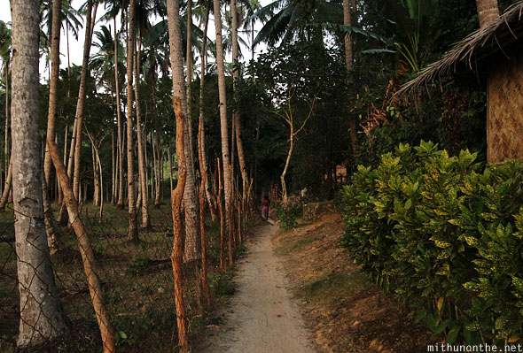 Las Cabanas path to main road Palawan