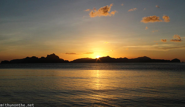 Las Cabanas sunsetting El Nido Palawan Philippines