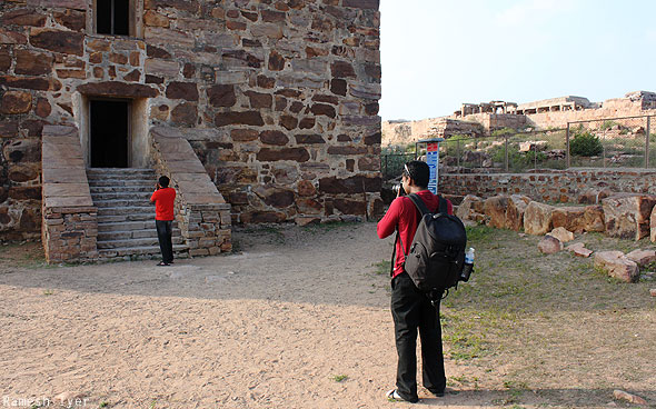 Anand Mithun taking photos Gandikota fort