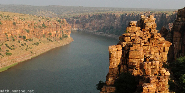 Gandikota gorge rocks river