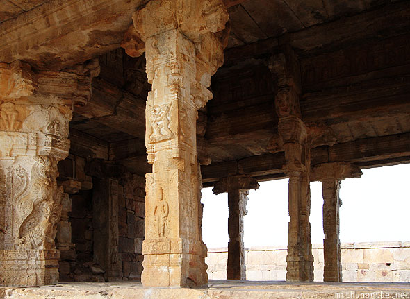 Gandikota Ranganathaswami temple pillars ancient art India