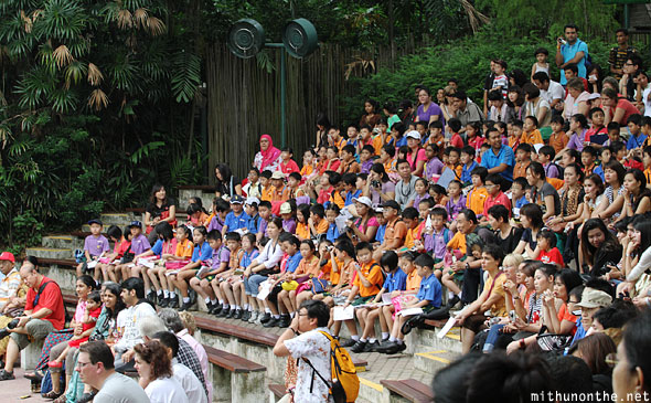 Jurong bird park show school children Singapore