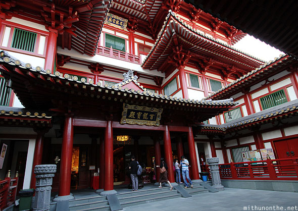 Buddha tooth relic temple entrance Singapore