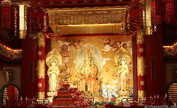 Buddha tooth relic temple prayer hall god Singapore