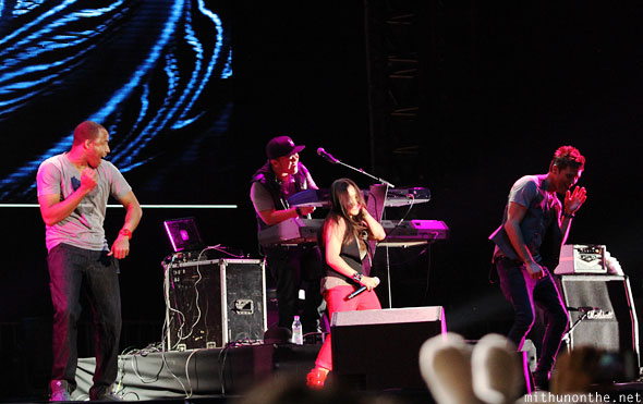 Charice band dancing dougie Singapore F1 concert