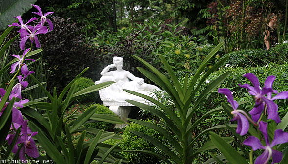 Lady statue orchid garden Singapore