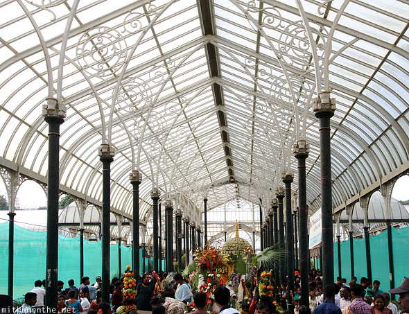 Lal Bagh glasshouse Republic Day flower show crowd Bangalore