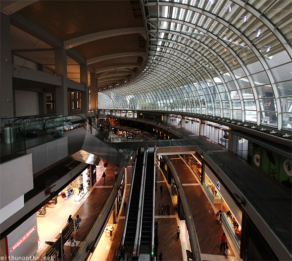 Marina Bay Sands Shoppes panorama