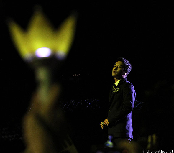 Seungri VIP crown light Big Bang Singapore F1 concert