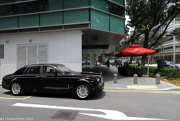 Singapore Rolls Royce Phantom black