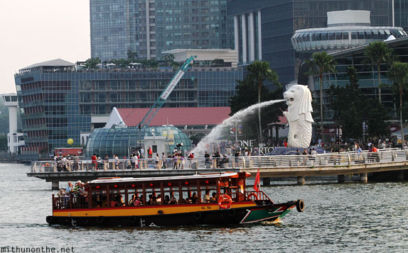 Boat cruise Marina Bay Merlion Singapore