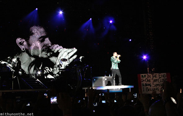 Chester Bennington on-screen Singapore concert