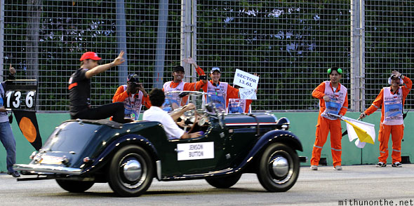 Jenson Button drivers parade Singapore F1 raceday