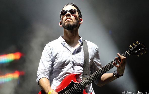 Mike Shinoda guitar Linkin Park concert Singapore F1