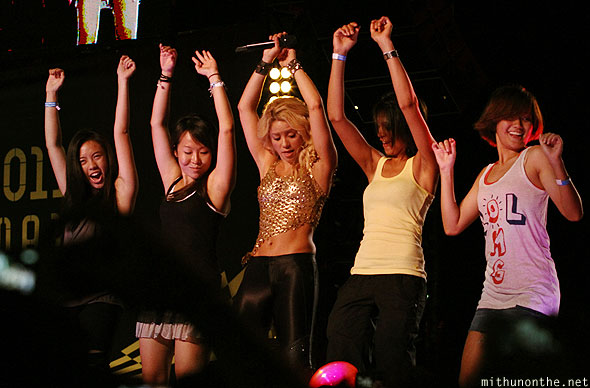 Shakira hip dancing on stage Singaporean girls F1 concert