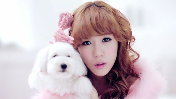 Tiffany puppy Twinkle mv screencap