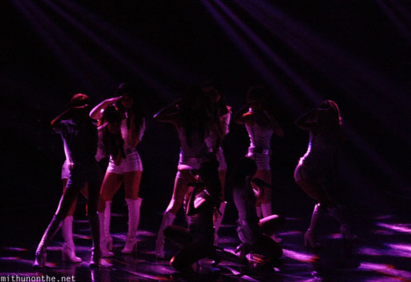 Girls Generation Genie end pose