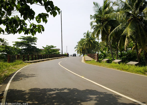 Road to Payyambalam beach