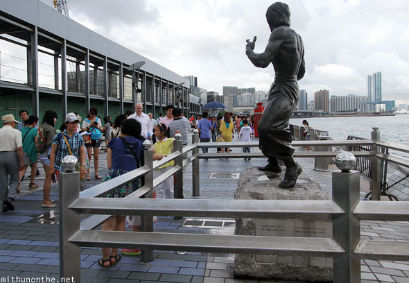 Bruce Lee Avenue of Stars statue