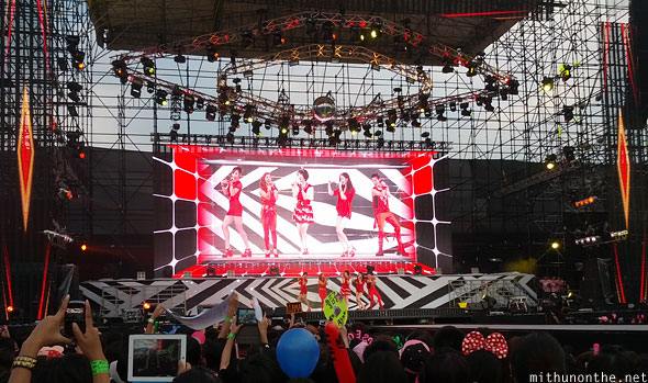 SMTown Bangkok f(x) on stage