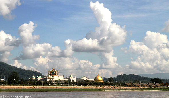 Casino Laos Mekong river
