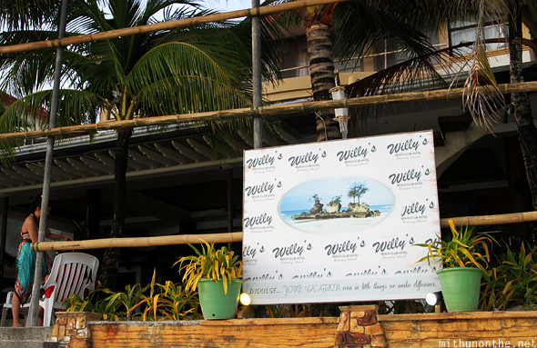 Willy's beach club hotel Boracay