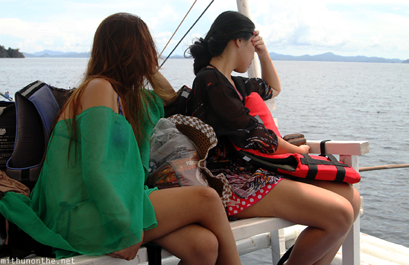 Filipino girls Coron tour