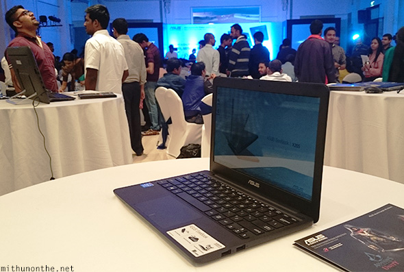 Asus Eeebook notebook demo