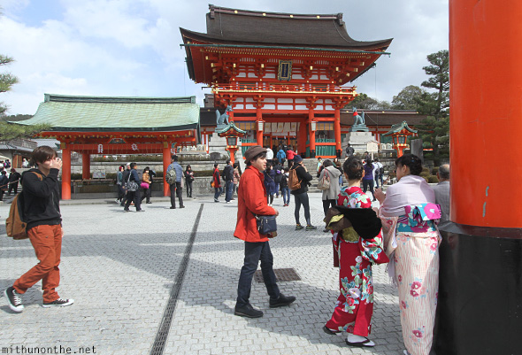 Tourists Fushimi Inari temple Kyoto