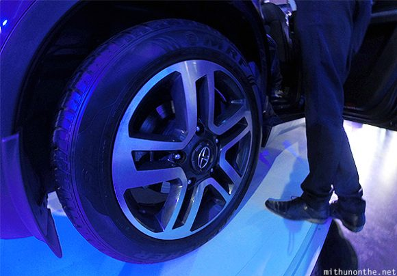 Tata Hexa alloy wheel