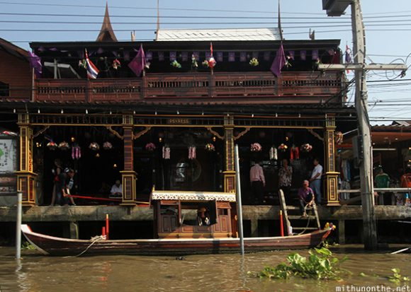 Wat Temple Amphawa floating market