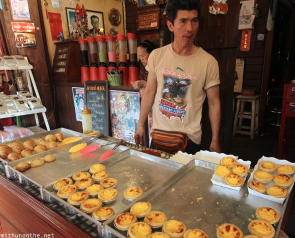 Egg tarts vendor Amphawa floating market